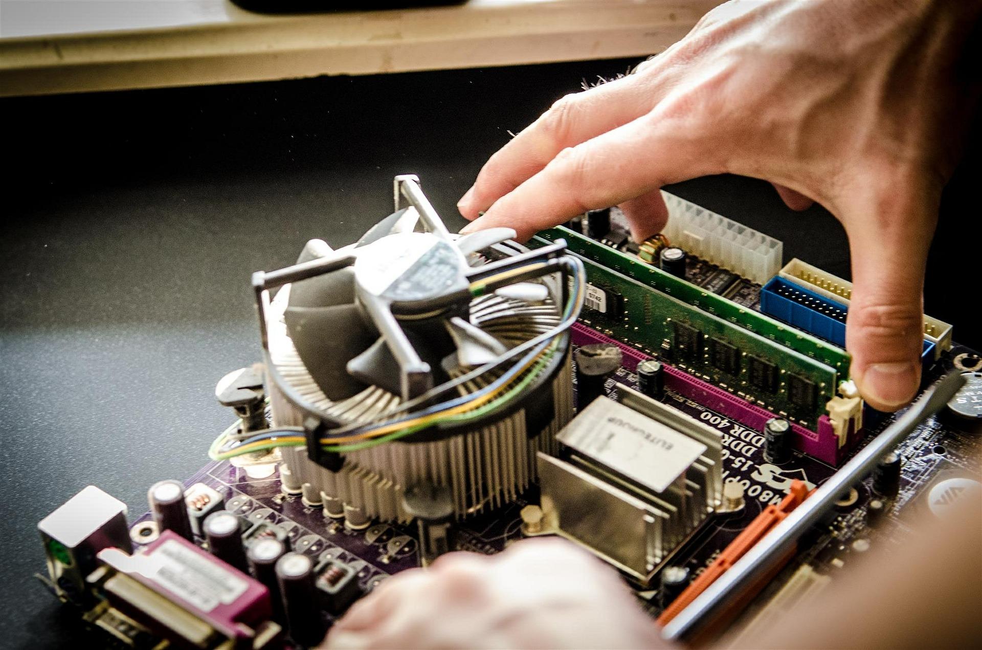 Dobry serwis komputerowy - na co zwrócić uwagę podczas wyboru?